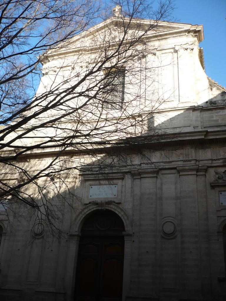 Façade vue de la Place Notre-Dame.